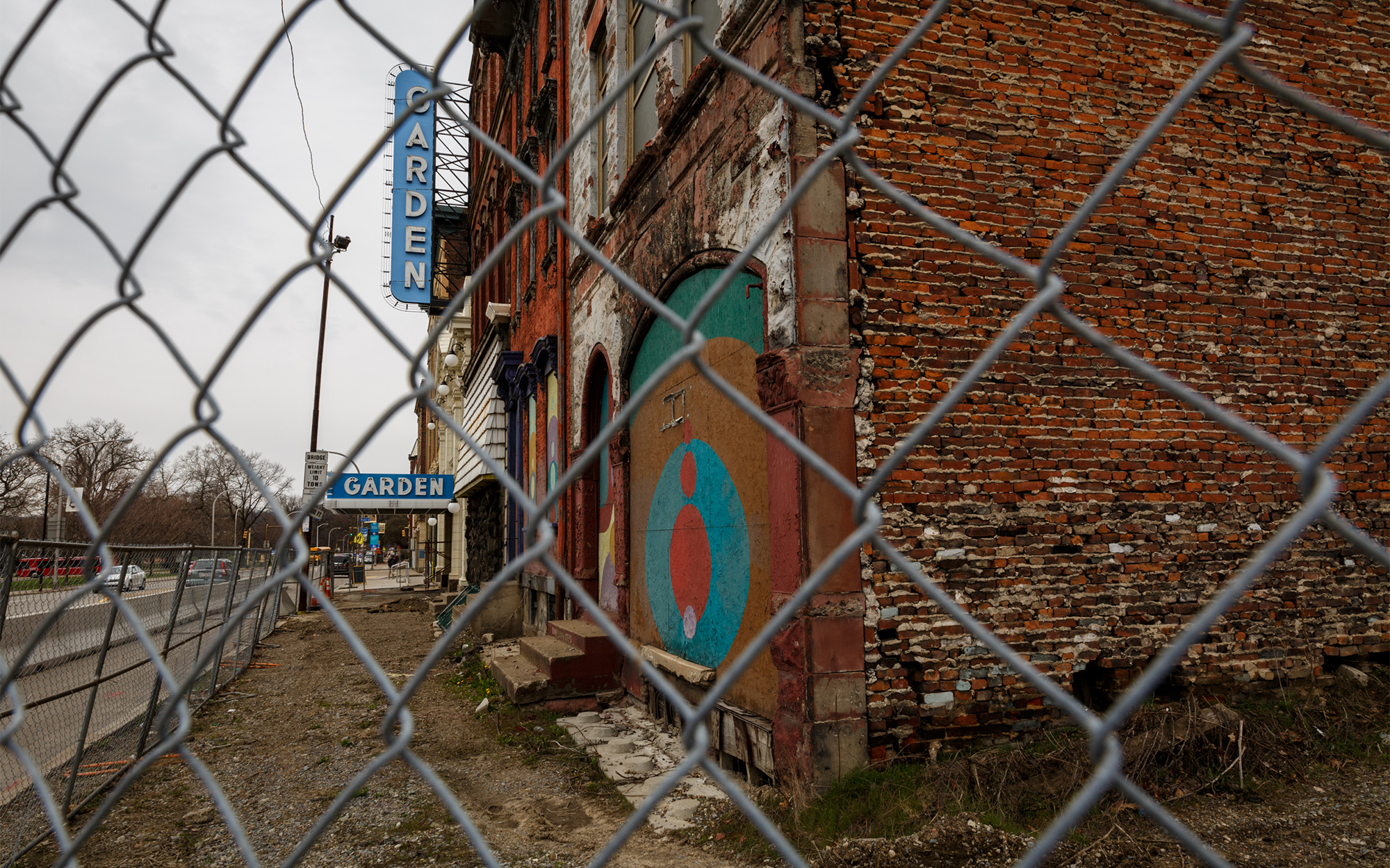 Depending on the decade, the structures at 4, 6 and 8 W. North Ave. served as doctors' offices, a bar, academic buildings and more. Today, they're vacant, and the only change in the last decade has been more decay. (Photo by Maranie Rae Staab/PublicSource)