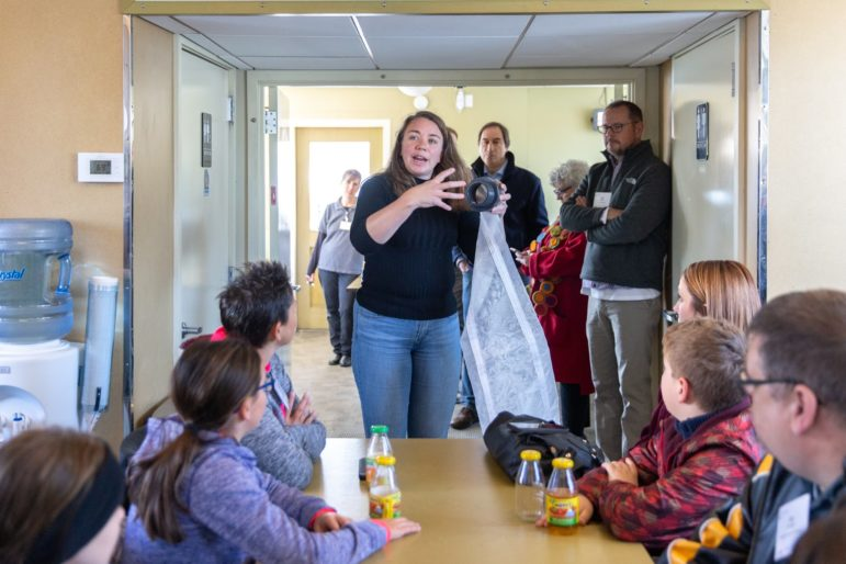 Heinz Award recipient Sherri Mason explains to students how a Neuston net helps her capture samples of microplastics from rivers and lakes. (Photo by John Altdorfer/PublicSource)
