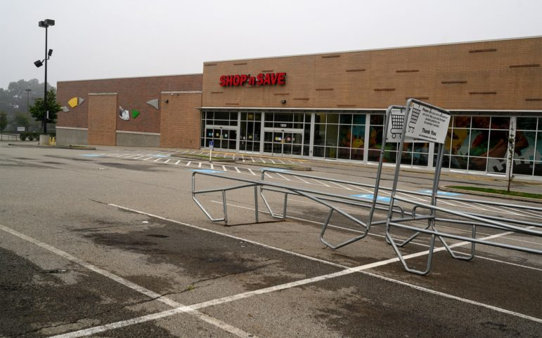 The shuttered Shop 'N Save store in Centre Heldman Plaza along Centre Avenue in the Hill District on June 28, 2019. (Photo by Justin Merriman/PublicSource)