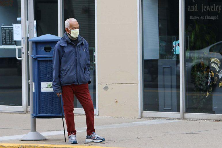 Man wearing face mask