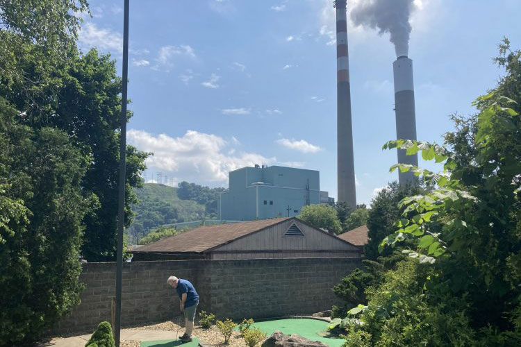 The Cheswick Power Plant in Springdale is No. 7 on the Toxic Ten list. Photo by Michael Machosky/NEXTpittsburgh)