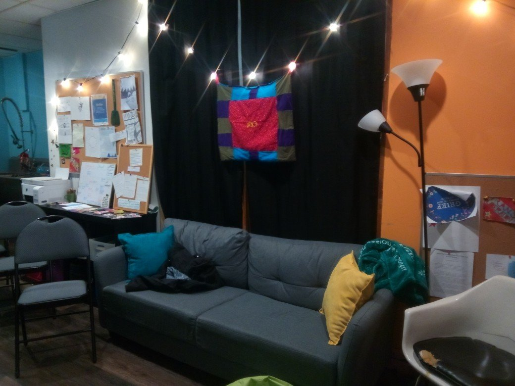 Ratzon is a comfortable, casual place, with couches and homemade art.
